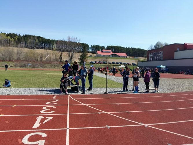 Les jeunes brillent au Championnat régional scolaire d'athlétisme
